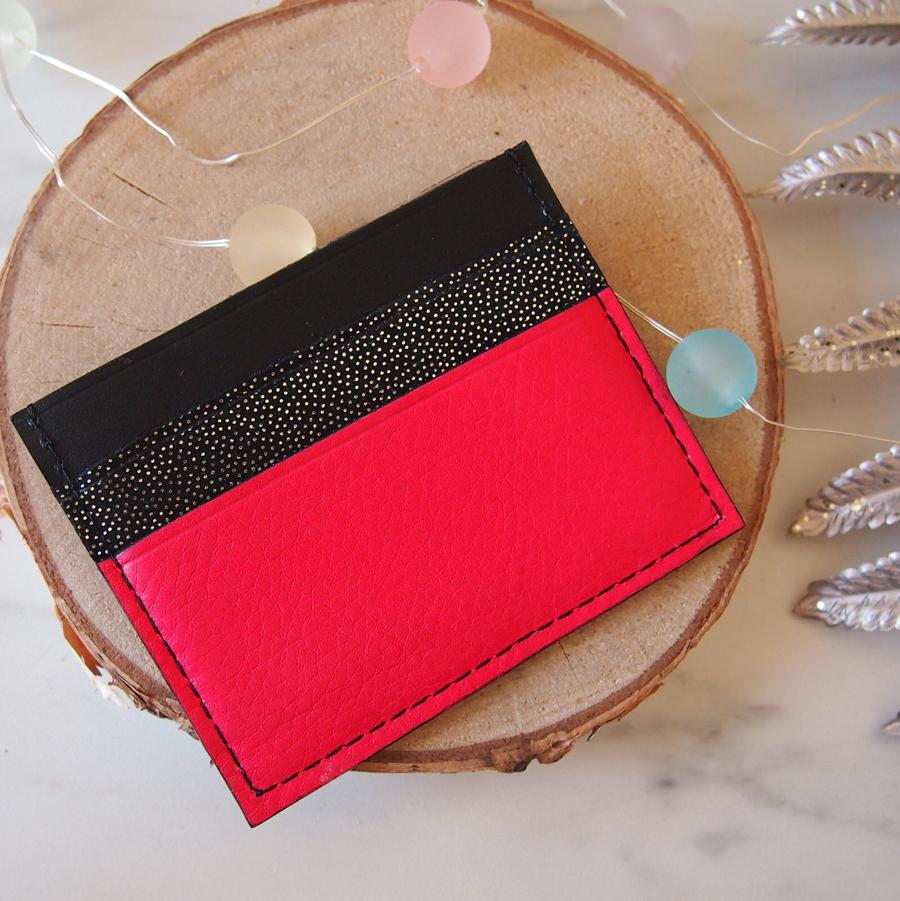 Porte cartes noir fushia